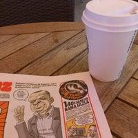 6/1/2012 tarihinde Honore Y.ziyaretçi tarafından Starbucks'de çekilen fotoğraf