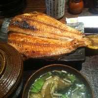 Photo taken at 炭火焼干物食堂 越後屋 権兵衛 by Ryuki on 5/25/2012