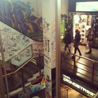 Foto tirada no(a) Bond Street por Kallani em 7/30/2012