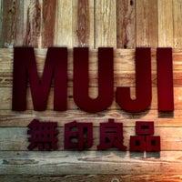 4/7/2012 tarihinde Robert D.ziyaretçi tarafından MUJI 無印良品'de çekilen fotoğraf