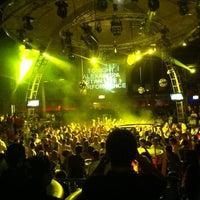 6/13/2012 tarihinde Bahri O.ziyaretçi tarafından Club Inferno'de çekilen fotoğraf