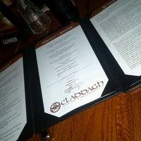 Foto tirada no(a) Claddagh Irish Pub por Kevin (Kevon) H. em 5/12/2012