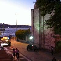 Photo taken at Tarihi Beylerbeyi Balıkçısı by Taner S. on 6/17/2012
