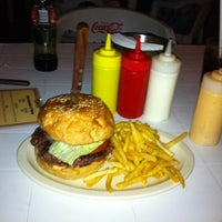 Photo taken at Just Burgers by José Omar G. on 8/19/2012