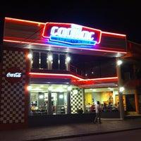 Foto tirada no(a) Cadilac American Burger por Bruno R. em 2/26/2012
