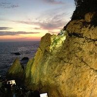 Photo taken at La Quebrada by UnResplandor E. on 8/4/2012