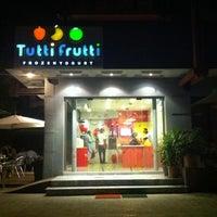 Photo taken at Tutti Frutti FroYo by Usama A. on 5/15/2012