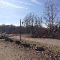 Photo taken at Parc-nature du Bois-de-liesse, Acceuil Pitfield by Michael on 3/27/2012