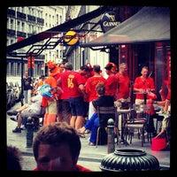 8/15/2012 tarihinde Mélissa M.ziyaretçi tarafından Place Saint-Géry / Sint-Goriksplein'de çekilen fotoğraf