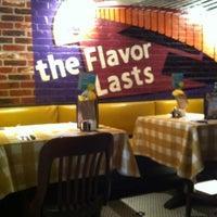 Photo taken at Uno Pizzeria & Grill - Boston by Rafael R. on 4/28/2012