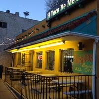 Foto tirada no(a) El Taco De Mexico por Isaac P. em 4/22/2012