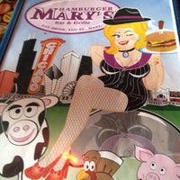 Photo prise au Hamburger Mary's par Quinn S. le4/15/2012