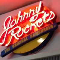 Foto tirada no(a) Johnny Rockets por rodrigo s. em 7/6/2012