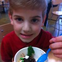 รูปภาพถ่ายที่ Zinga โดย Joel H. เมื่อ 3/12/2012