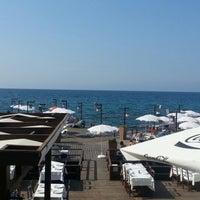 Photo prise au Ambiance Restaurant par Tolga Turgut O. le8/11/2012