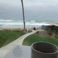 Foto diambil di Caroline's Seaside Cafe oleh Jasmine pada 6/3/2012
