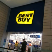 Photo taken at Best Buy by Luis F. on 7/17/2012