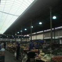 Foto tirada no(a) Mercado Municipal Kinjo Yamato por Mario S. em 11/11/2011