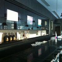 6/10/2012 tarihinde Vasily R.ziyaretçi tarafından Q Premium Snack Bar'de çekilen fotoğraf