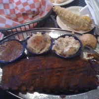 Photo taken at Red Hot & Blue  -  Barbecue, Burgers & Blues by Eddie W. on 5/19/2012