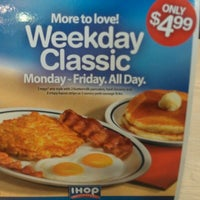 Photo taken at IHOP by F. Khristopher B. on 8/12/2012