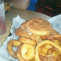 Photo taken at Stadium Bar & Grill by Marlene G. on 8/8/2012