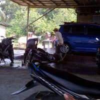 รูปภาพถ่ายที่ Ventura Car Wash โดย Prastowo Hadi Nugroho N. เมื่อ 9/10/2011