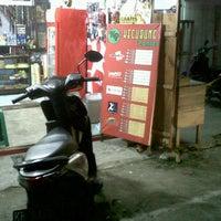 Photo taken at Kecubung ponsel by Yana d. on 11/25/2011