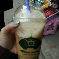 Photo taken at Ten Ren's Tea and Ginseng Co., Inc. 天仁 by Kelsey🎀 on 11/14/2011