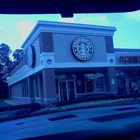 Photo taken at Starbucks by ¤ Paula ¤ G. on 10/4/2011