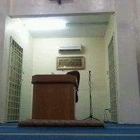 Photo taken at Surau Ar-Raudah As-Syareefaj by 馬 ッ. on 2/5/2012