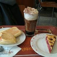 Снимок сделан в McDonald's пользователем Коля В. 3/23/2012