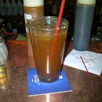 Foto tomada en Goodfellas Sports Bar por Chandie H. el 3/7/2012