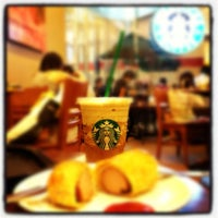 Photo taken at Starbucks by Mou¥ L€K . on 3/10/2012