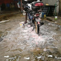 Photo taken at carwash dato tata by Rahtul R. on 1/9/2012