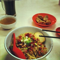 Photo taken at Bakmi Keriting Pematang Siantar by Albert W. on 5/7/2012