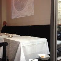 Foto tomada en Café Central por Nic el 7/2/2012