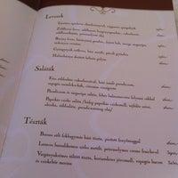 Foto scattata a Halászbástya Restaurant da Marcello il 6/16/2012