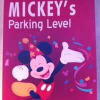 8/18/2012에 Danny R.님이 Mickey & Friends Parking Structure에서 찍은 사진