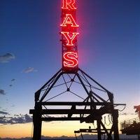 9/9/2012 tarihinde Clark W.ziyaretçi tarafından Ray's Cafe'de çekilen fotoğraf