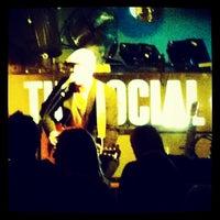 รูปภาพถ่ายที่ The Social โดย Shaun L. เมื่อ 10/25/2011