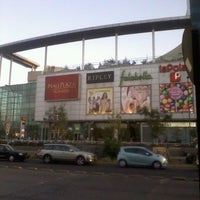 Foto tomada en Mall Plaza Alameda por Alexander H. el 11/2/2011