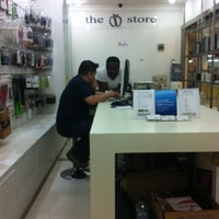 Photo taken at iStore (The apple store) by Wahono D. on 11/19/2011