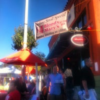 Foto tomada en Cugini Restaurant por Ed V. el 9/9/2012