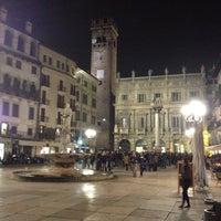 Foto scattata a Piazza delle Erbe da Daniele P. il 3/3/2012