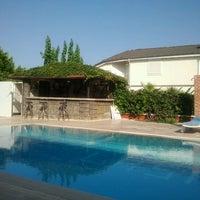 8/14/2012 tarihinde Dan M.ziyaretçi tarafından Las Palmeras Hotel'de çekilen fotoğraf