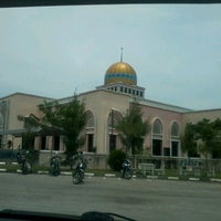 Photo taken at Masjid Bandar Perda by Mohd H. on 4/20/2012