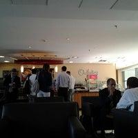 Photo taken at Outtakes Café Wtorre by Rafael A. on 2/14/2012