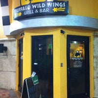 Photo taken at Buffalo Wild Wings by Enrique R. on 10/8/2011