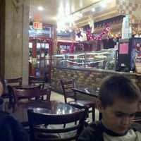 Photo taken at Bella Napoli by Kevin E. on 12/18/2011
